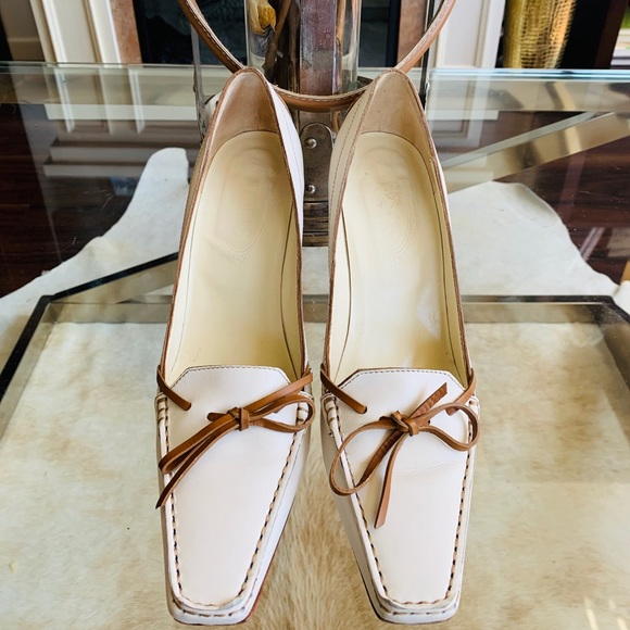 Tod's Shoes - Tod's Beige and Tan Leather Heels